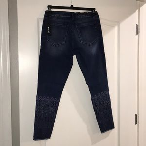 Miss Me skinny ankle jeans size 31